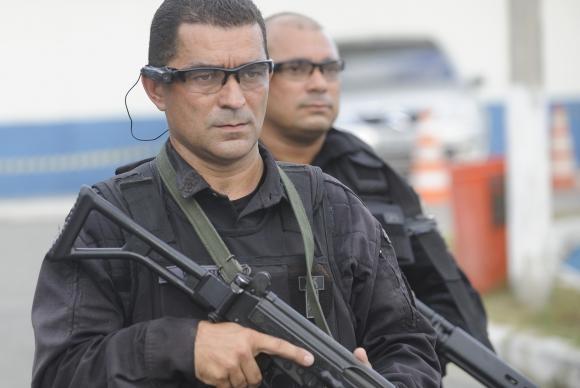 Homens do Bope usarão óculos com câmeras para ocupar a maré (Foto: Fernando Frazão/Agência Brasil)