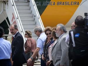 Presidente Dilma é acompanhada pela governadora Rosalba na Base Aérea (Foto: Elisa Elsie)
