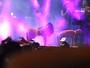 Anitta não economiza em poses sensuais em show de carnaval