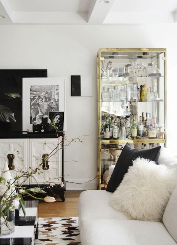 Décor do dia: sala sofisticada e cheia de arte (Foto: Reprodução)