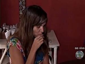 Voluntária comeu um bombom recheado com licor (Foto: Reprodução/Inter TV Cabugi)