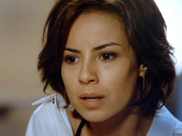 Clara fica chocada e não aceita a decisão de Enrico (Foto: Império / TV Globo)