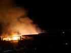 Incêndio em barracão de Paranaguá, no litoral do Paraná, é controlado