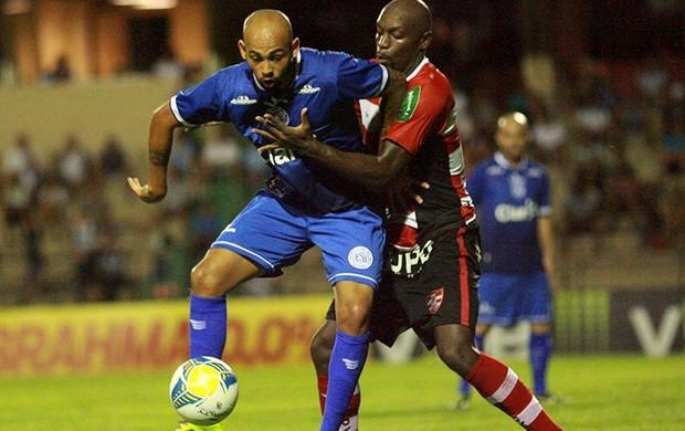 Danilo Alves no jogo entre São Bento x Linense (Foto: Jesus Vicente/ EC São Bento)
