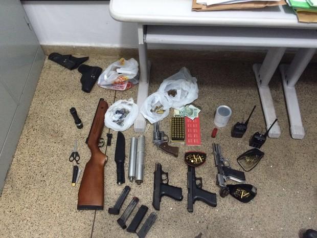 Armas e munições foram apreendidas na Operação Mercenários (Foto: Assessoria/Polícia Civil de MT)