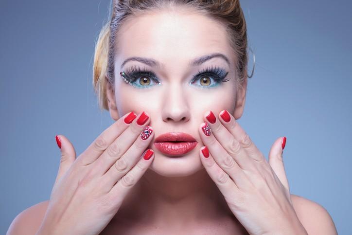 Alerta: tutoriais caseiros podem prejudicar a sua pele (Foto: ThinkStock)