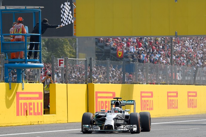 Hamilton chegada GP da It�lia (Foto: AFP)