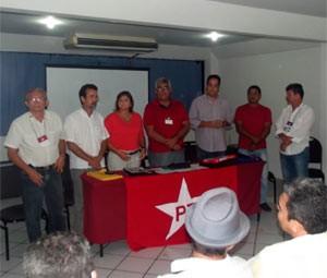 Assembleia foi realizada na sede do PT (Foto: Fred Carvalho/G1)