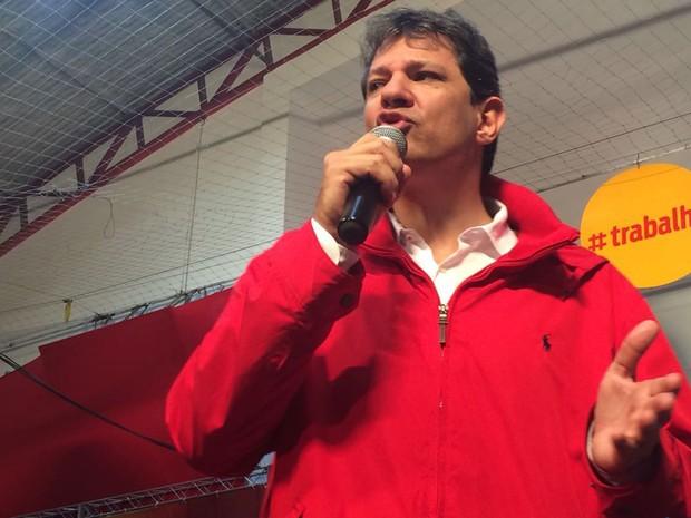 O prefeito Fernando Haddad discursa durante a convenção do partido que oficializa sua candidatura à reeleição (Foto: Gabriela Gonçalves/G1)