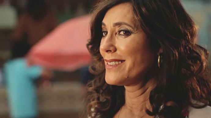 Iolanda fica surpresa ao reencontrar Amadeu em Salvador (Foto: TV Globo)