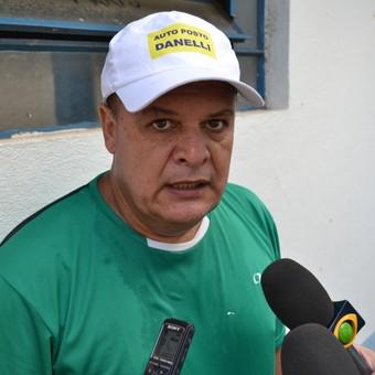 Técnico Edson Vieira Taubaté (Foto: Filipe Rodrigues)