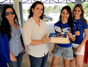 fãs do jogador Lucas Silva cruzeiro (Foto: Marco Antônio Astoni)