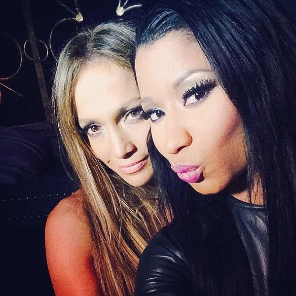 Nicki Minaj fez bico ao posar do lado de J-Lo no VMA de 2014 (Foto: Instagram)