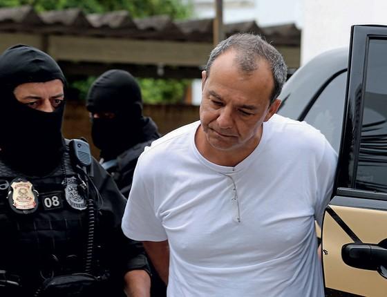 O ex-governador Sérgio Cabral  durante transferência de presídio (Foto: Geraldo Bubniak/Agência O Globo)