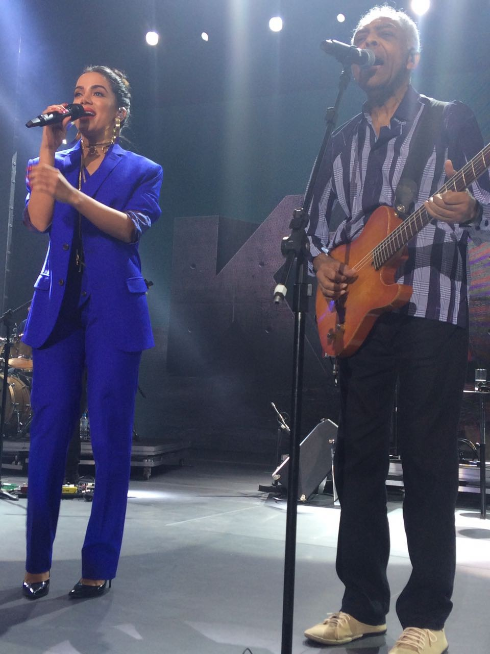 Anitta e Gilberto Gil (Foto: Marie Claire/ Editora Globo)
