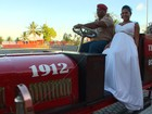 Bombeiros fazem 'vaquinha' para casamento surpresa de colega grávida