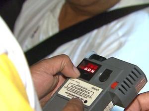 183 motoristas foram abordados durante a blitz em Ribeirão Preto, SP (Foto: César Tadeu/ EPTV)