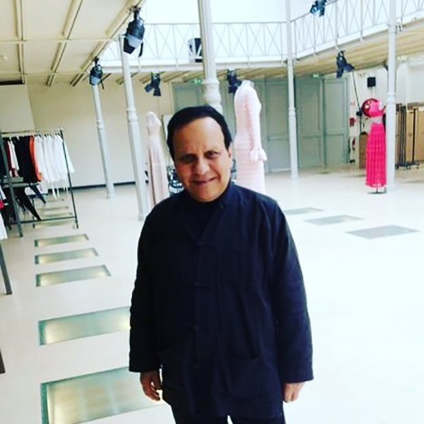 Azzedine Alaia - as I want to remember him - in his world in the Paris Marais district. Rest in Peace. (Foto: reprodução/instagram)