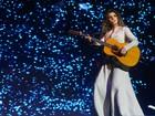 Veja o estilo dos fãs de Paula Fernandes no show da cantora