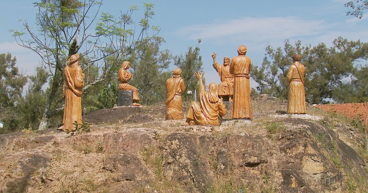 Estátuas do 'Sermão da Montanha' são instaladas em Borda da Mata, MG - Globo.com