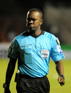 árbitro Paulo César Oliveira (Foto: André Chaco / Vipcomm)