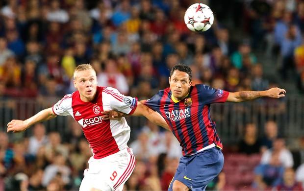 Adriano Barcelona e Ajax (Foto: Agência AP)