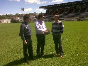 Vistoria no estádio 19 de Outubro, em Ijuí (Foto: Caio Klein/RBSTV)