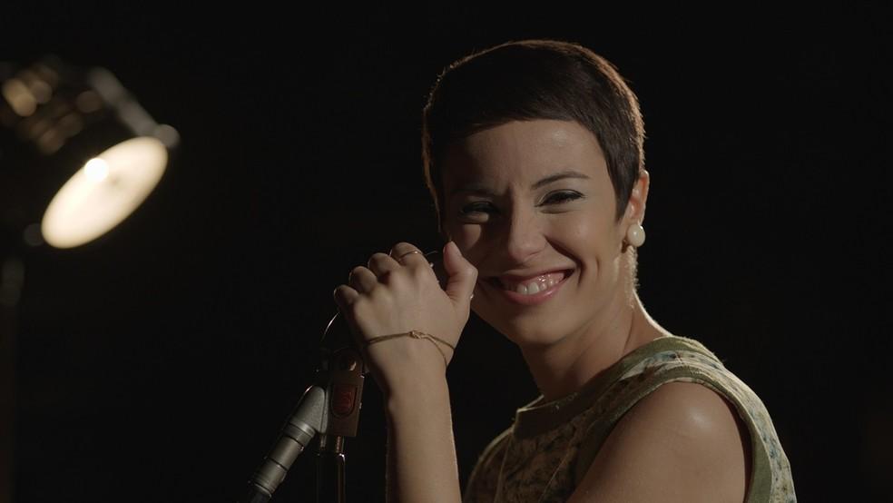 Andréia Horta interpreta Elis Regina em cinebiografia (Foto: Reprodução)