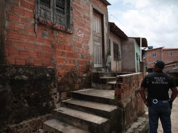 Superintendência de Homícidios e Proteção à Pessoa investiga o crime (Foto: Flora Dolores/O Estado)
