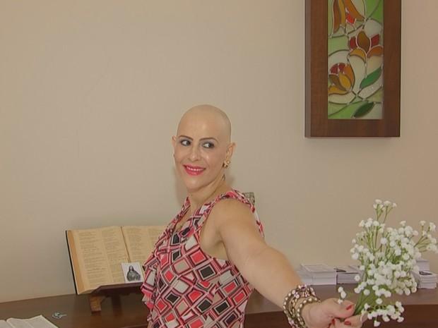 Raquel Marques Amadeu tirou fotos após descobrir câncer (Foto: Reprodução/TV TEM)