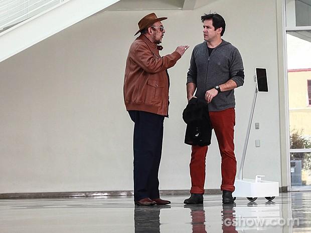 Jonas rejeita a ideia dos acionistas e abandona reunião (Foto: Aline Kras / TV Globo)
