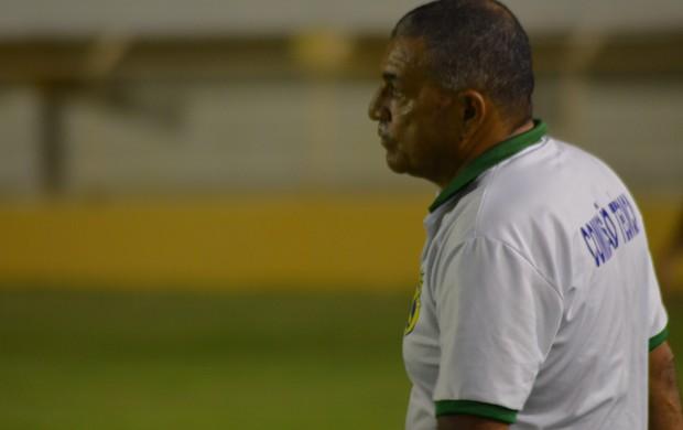 Edmilson Santos parabeniza time, mas fala em necessidade de reforços  (Foto: Felipe Martins)