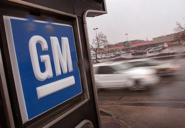 Logotipo da General Motors (GM) é visto em revendedora nos EUA (Foto: Scott Olson/Getty Images)