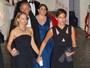 Jodie Foster deixa festa pós-Emmy de mãos dadas com a mulher
