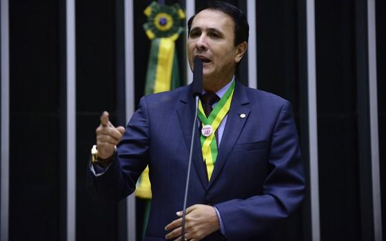 O deputado Carlos Gaguim (PTN-TO) (Foto: Nilson Bastian/Câmara dos Deputados)