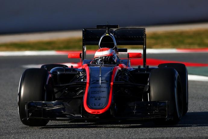 Jenson Button só conseguiu dar sete voltas com a problemática McLaren-Honda (Foto: Getty Images)