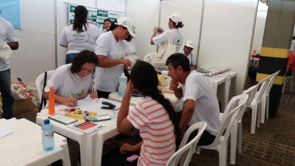 Atendimentos ocorrem em um shopping na Zona Sul de Macapá (Foto: Jéssica Alves/G1)