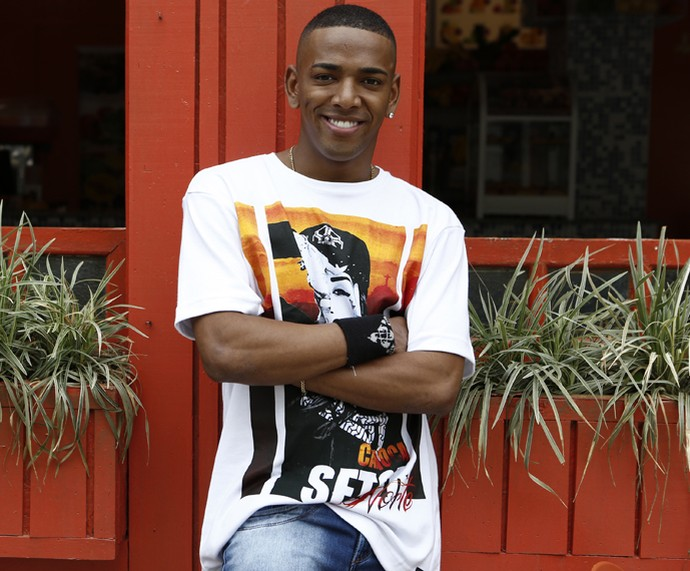 Nego do Borel é só sorriso no seu primeiro dia de gravação (Foto: Inácio Moraes/Gshow)