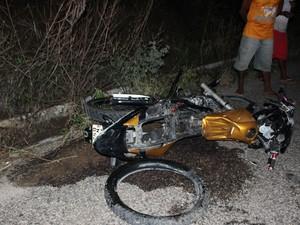 Acidente ocorreu no início da noite de domingo (Foto: Ediomário Catureba/ Portal Bacia do Jacuipe)