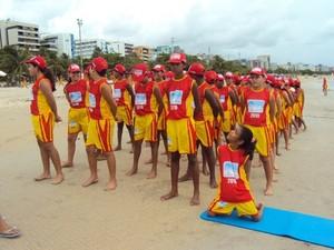 Projeto Golfinho é uma colônia de férias para crianças promovida pelo Corpo de Bombeiros de Alagoas  (Foto: Ascom / CB-AL)