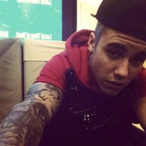 Justin Bieber posta foto após ser liberado da prisão (Foto: Instagram)