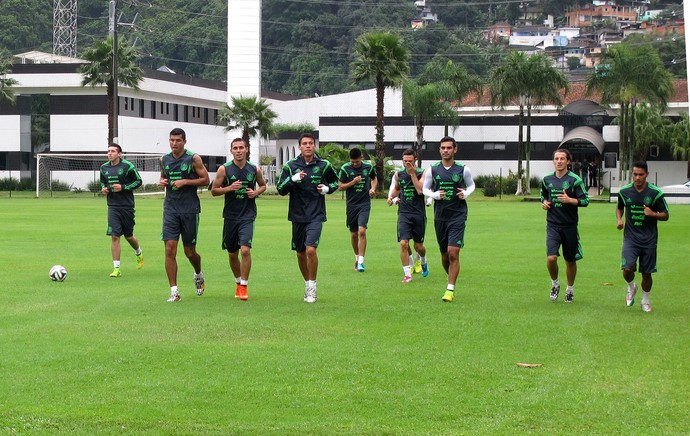 jogadores méxico treino (Foto: Bruno Giufrida)