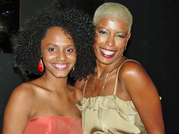 Jéssica Ellen e Thalma de Freitas se tornaram amigas íntimas (Foto: Malhação / TV Globo)