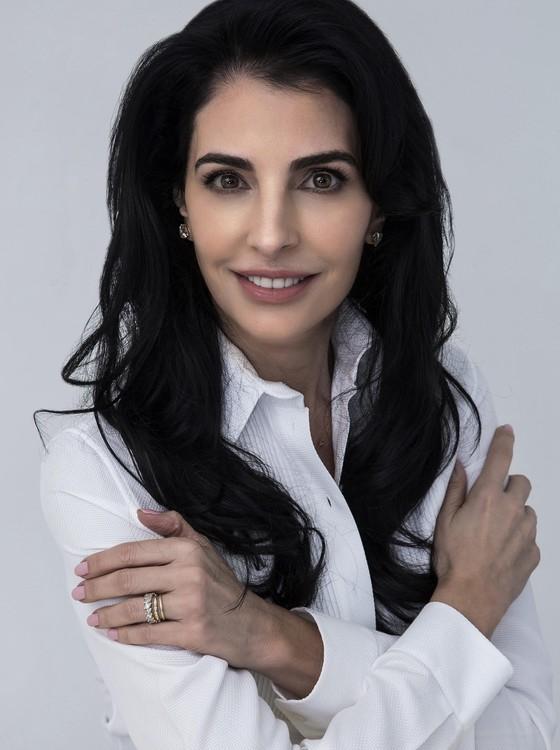 Antonia Frering viverá uma professora de tango na nova novela das seis da TV Globo (Foto:  Gerard Giumé)