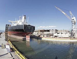 P-74, que será o primeiro navio-plataforma do pré-sal na Bacia de Santos. (Foto: Luís Riedlinger/Agência Petrobras)
