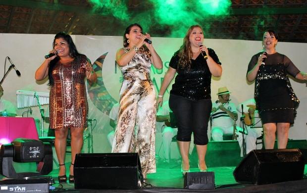 Show 'Elas Cantam Samba' , foi a atração da terceira edição do 'Manaus ao Luar' (Foto: Gisa Almeida/Rede Amazônica)
