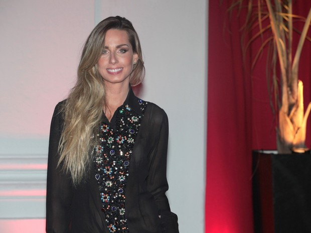 Mariana Weickert em evento no Recife (Foto: Leo Franco/ Ag. News)