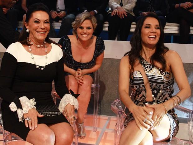 Beth Szafir, Maria Cândida e Mônica Carvalho em programa de televisão em São Paulo (Foto: Cláudio Augusto/ Foto Rio News)