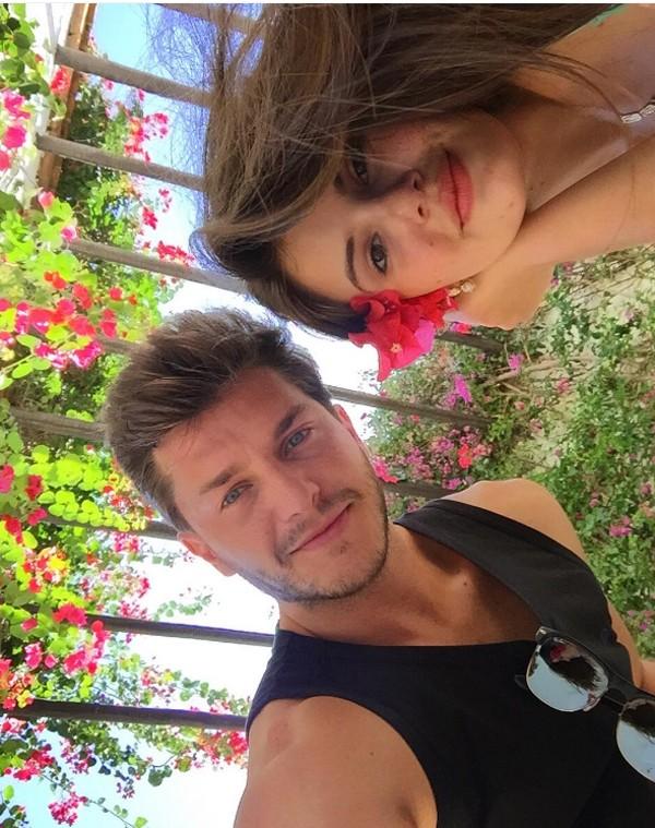 Klebber Toledo e Camila Queiroz (Foto: Reprodução / Instagram)