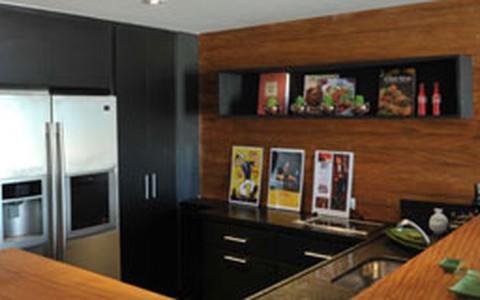 Preto na decoração da cozinha: veja como usar